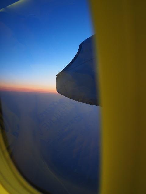 飛行機からの夕焼け.jpg